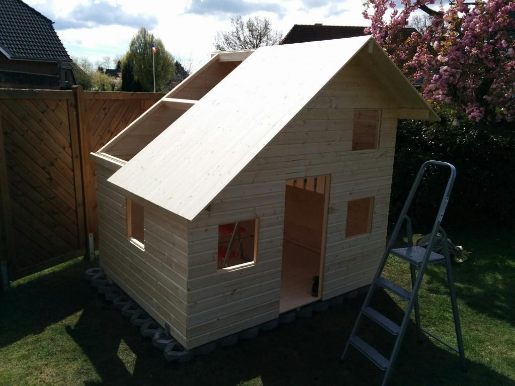 Das Dach ist fast fertig